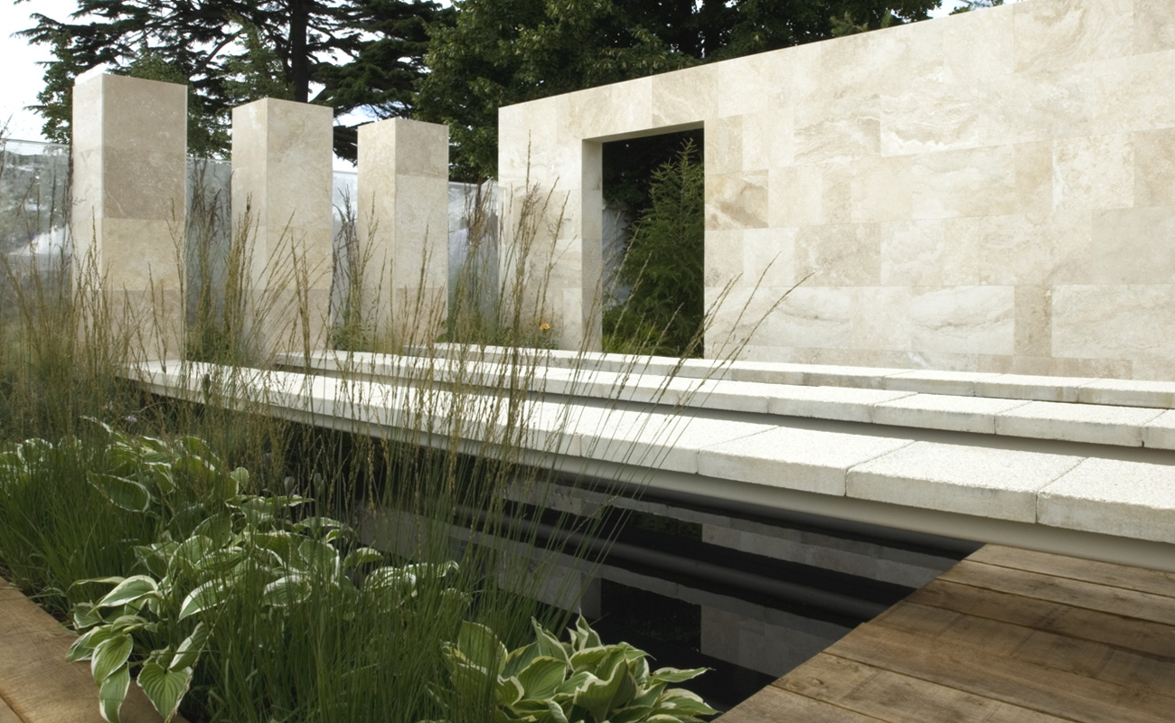 Hampton court amanda patton for Tuin modern design